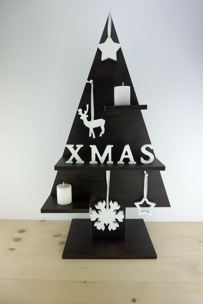 Árbol Navidad en madera con adornos
