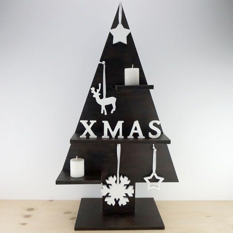 Arbol Navidad en madera y adornos
