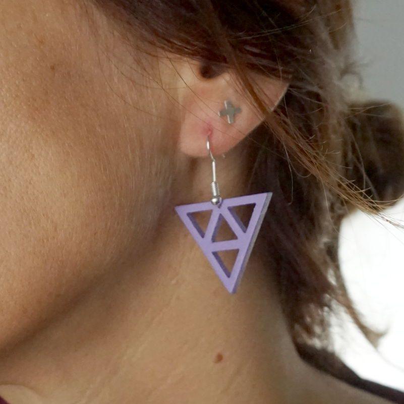 Pendiente triángulos en madera
